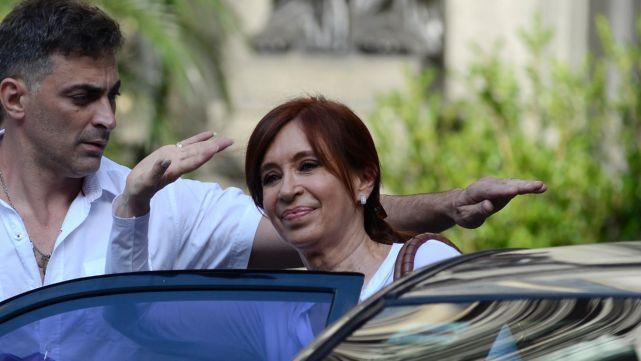 Cristina pidió ir a juicio oral en la causa por obras públicas
