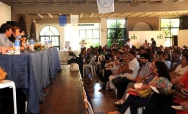 EL CONGRESO DE LA FEB VOTO LA CONTINUIDAD DE LAS MEDIDAS DE FUERZA: LOS DOCENTES NO VUELVEN A LAS AULAS