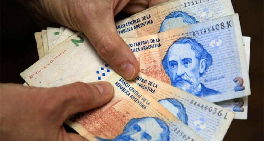 Tras 26 años de vigencia, dejan de circular billetes de $ 2