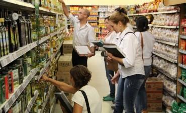 Desconocimiento, negligencia, irresponsabilidad, fraudes y accidentes son en general, las causas que frecuentemente hacen del comer un acto peligroso