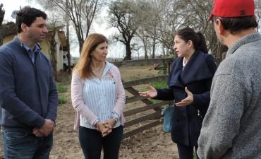 Fernanda Vallejos de campaña en Los Toldos