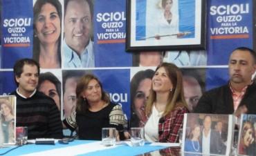 La candidata por el FPV Viviana Guzzo y su equipo de trabajo expusieron el lunes por la tarde la modalidad de trabajo de caras a las próximas elecciones.