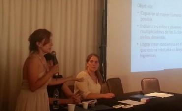 Personal de la direcciòn de bromatologia local diserta en Jornadas Federales