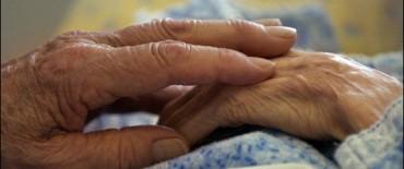 Desarrollan una vacuna que frenaría el Alzheimer