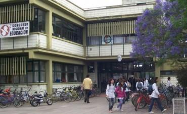 La unidad académica de nuestra ciudad, se vio visitada por personas ignoradas el finde largo