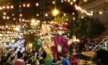LINCOLN:  El sábado próximo comienza el Carnaval con un show especial y la voz de Luciano Pereyra