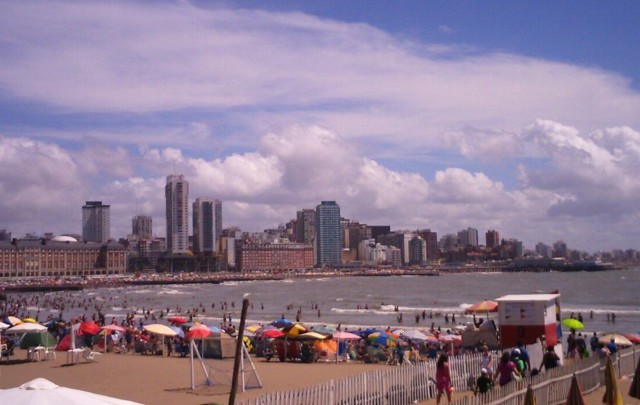 Estalló el verano en la costa: 2 mil vehículos por hora