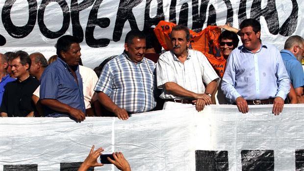Las marchas de los impresentables aumentan la imagen positiva de Macri by Guillermo Cherashny