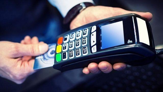 Una buena: Vuelven a bajar los aranceles de las tarjetas de crédito y débito