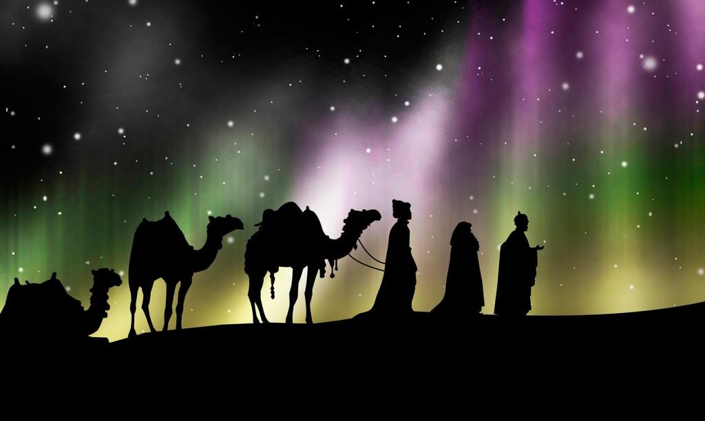 Los Reyes magos llegan a pueblos y barrios del distrito repartiendo golosinas y compartiendo juegos con los chicos