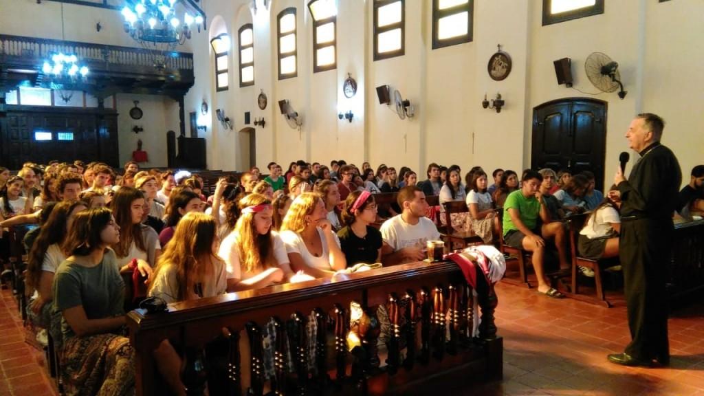El obispo acompañó a los misioneros en Los Toldos