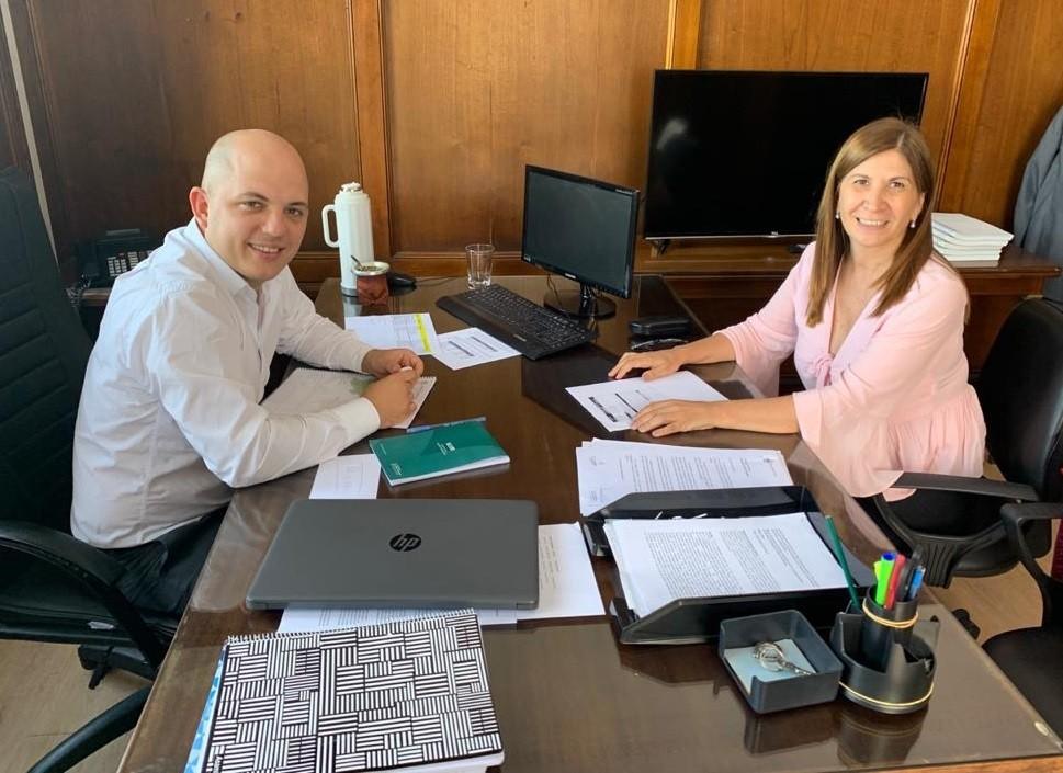 Viviana Guzzo se reunió con el Secretario de Municipios de la Nación Avelino Zurro