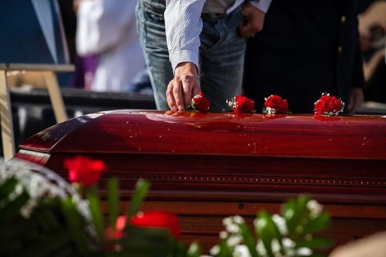 Coronavirus: murieron 16 familiares por asistir a un funeral