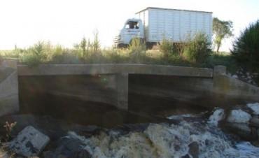 Existe riesgo en los cimientos del puente de la Ruta Provincial N° 65,  en inmediaciones de El Monasterio