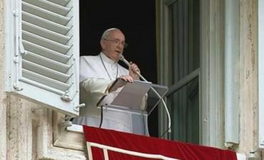 El Evangelio cambia el corazón, dijo el Papa a la hora del Ángelus