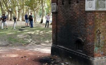 Sigue la incógnita sobre la mujer calcinada frente a Le Parc by Guillermo Cherashny