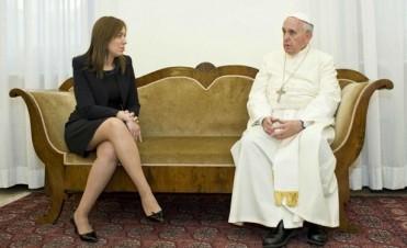 María Eugenia Vidal realizó un viaje relámpago al Vaticano y se reunió con el Papa