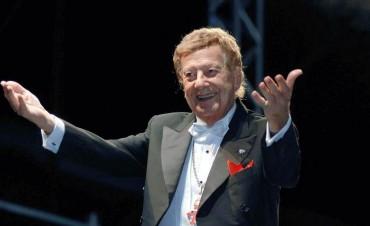 """Mariano Mores: cien años del pianista estridente que """"tomó"""" el Teatro Colón con el tango"""