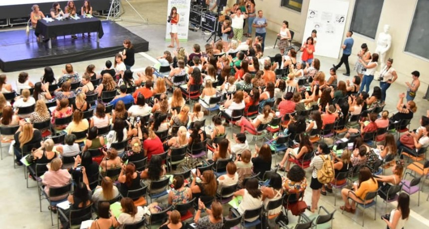 La Ministra de las Mujeres, Políticas de Género y Diversidad Sexual, Estela Díaz, participó del Encuentro de la Red Federal. Participó una delegación de nuestro medio