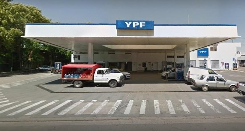 EN JUNIN.  Una mujer falleció en el baño de una estación de YPF
