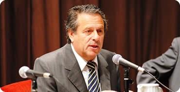 La Defensoría del Pueblo propone urgente diálogo entre el Gobierno y los Docentes