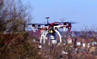 Este 'drone' puede robar la información de tu teléfono