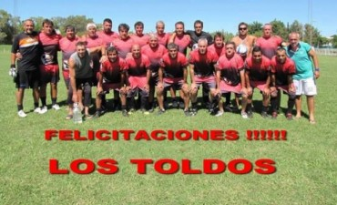 """El equipo de Los Toldos, """"Yoni Fútbol Club"""" fue campeón en el Tercer Encuentro de Veteranos 2015 en Nogoyá, Entre Ríos"""