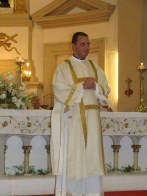 El Padre Rodrigo Di Pietro, actualmente afincado en Arribeños, reemplazará al Padre  Gabriel María Ghiraldini, quien fue designado en Ameghino.