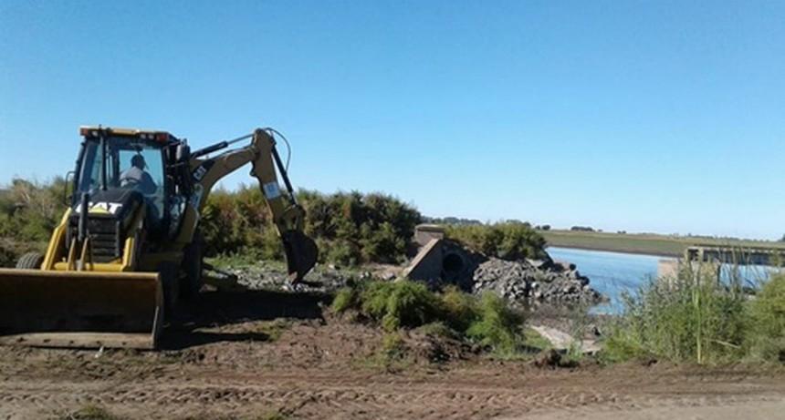 Comenzó la reparación del puente ferroviario del Río Salado