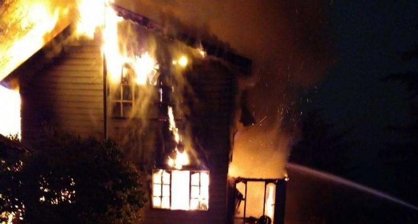 Murió una anciana en un voraz incendio en Ushuaia