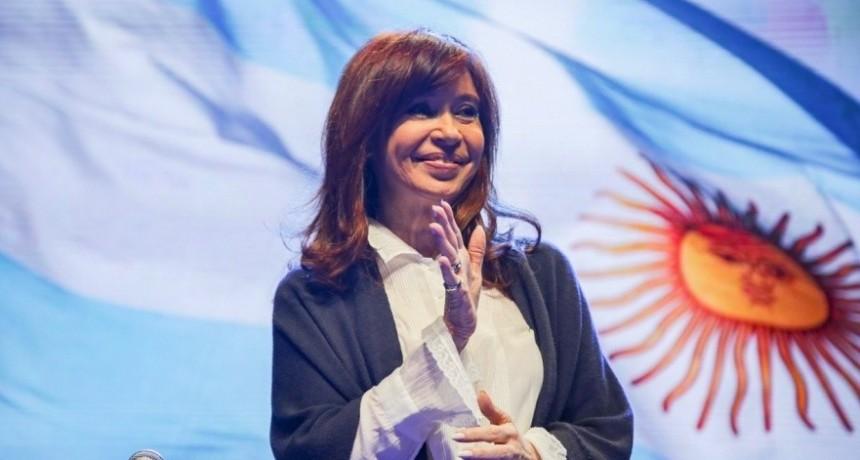 Cristina Fernández regresará al país junto a su hija Florencia y cumplirán la cuarenta