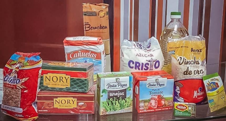 La ACIP dona bolsones con varios productos para los vecinos que más lo necesitan, ante la pandemia