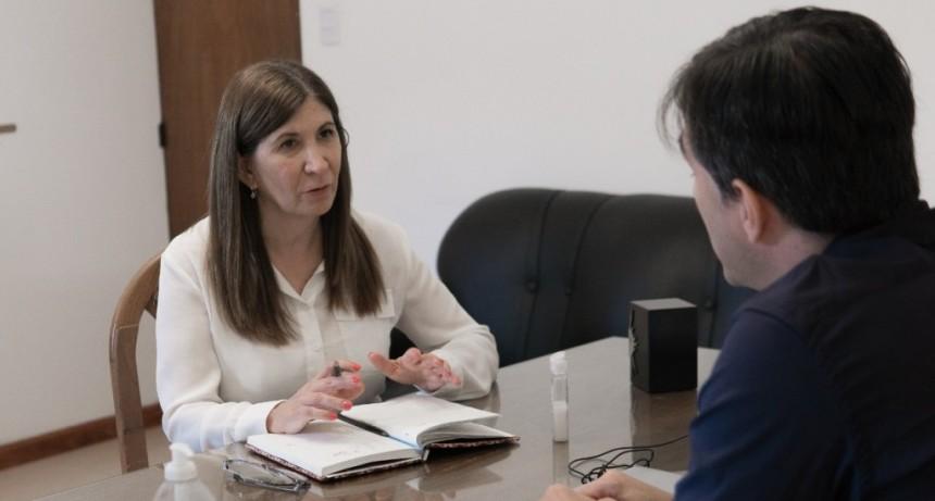 La Dip Pcial Viviana Guzzo, se reunió con el Intendente Municipal, Franco Flexas