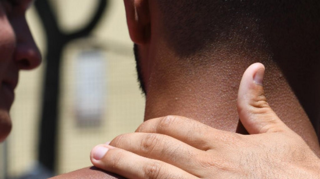 La mitad de los españoles siente más soledad que nunca por la falta de contacto físico