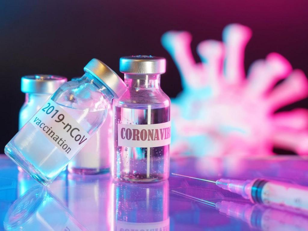 AstraZeneca: ¿cómo sabemos si una vacuna produce efectos adversos?