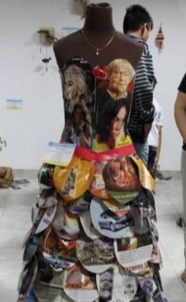 Vecinos de Baigorrita participaron de una curiosa muestra de objetos y esculturas
