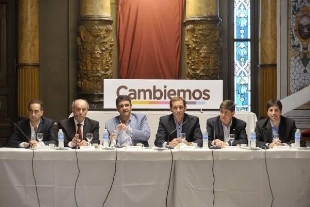 Se conformó el Foro de Intendentes de Cambiemos. Con la presencia del Intendente de General Viamonte Franco Flexas