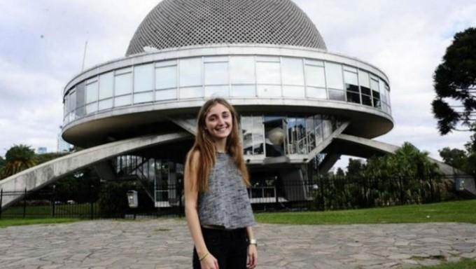 Es argentina, tiene 16 años y ganó una beca para vivir 6 días en la NASA