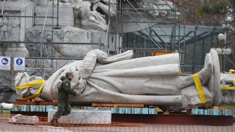 Monumento a Colón por Alfredo Nobre Leite