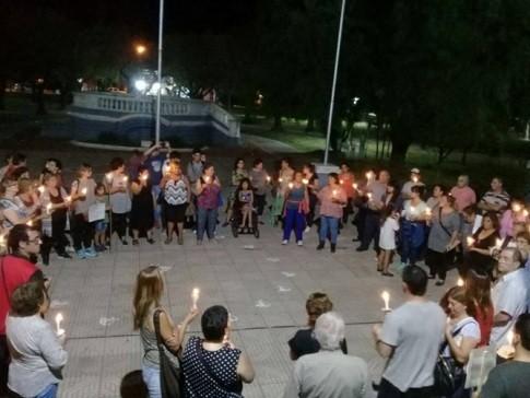 Marcha de las velas en protesta por tarifas re realizó en la plaza principal de nuestra ciudad