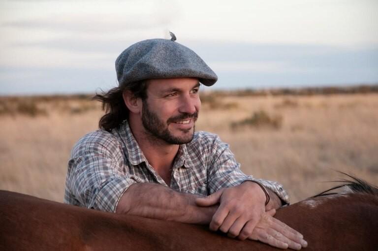 MARCOS VILLAMIL| Salió hace 6 meses. La historia del joven Ing Agrónomo que recorre la Argentina a caballo