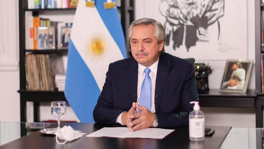 El Presidente defendió la suspensión de clases presenciales y le respondió a la oposición