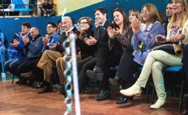 El acto central del del ducentésimo sexto aniversario de la revolución de Mayo fue organizado por el Jardin 910 y la Direcciòn de Cultura de nuestro Municipio