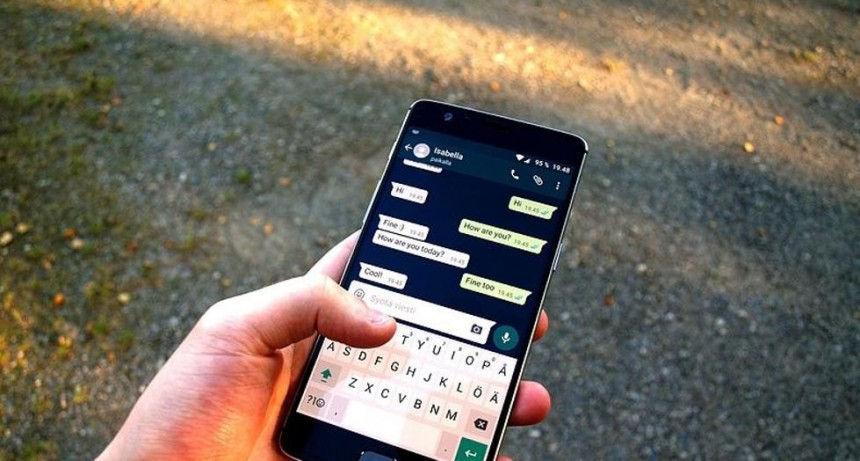 Ya puedes escuchar audios de WhatsApp antes de enviarlos
