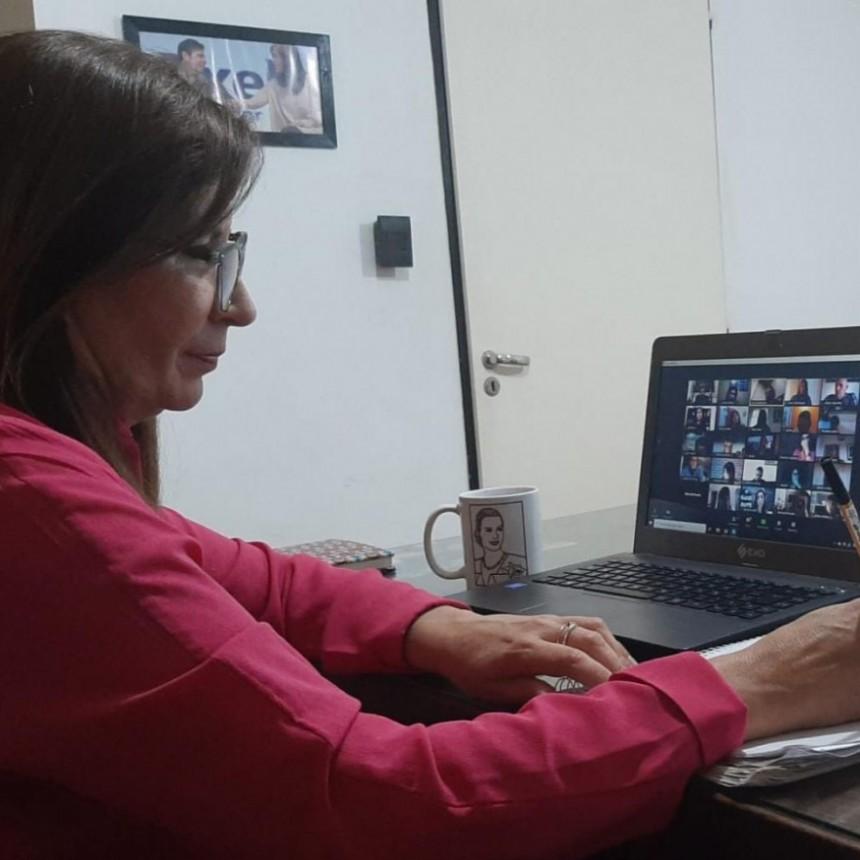 Viviana Guzzo  estuvo desde Los Toldos en una videoconferencia con el Presidente del Banco Provincia, Juan Cuattromo