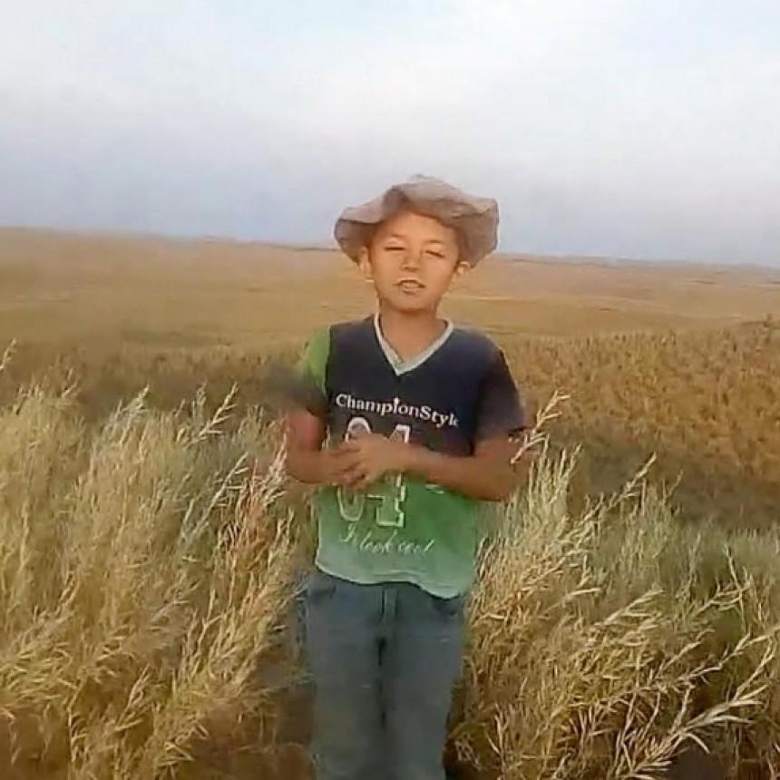 EMOCIONA LA APTITUD DE JEREMIAS | vive en el campo y viaja 30 Km a caballo hasta una loma para poder tener señal y enviar las tareas escolares
