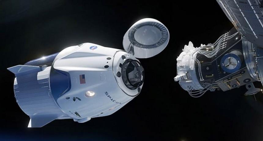 La nave Crew Dragon se acopló a la Estación Espacial