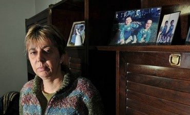 """Habló la docente atacada: """"Este golpeador está libre y yo presa en mi casa"""""""