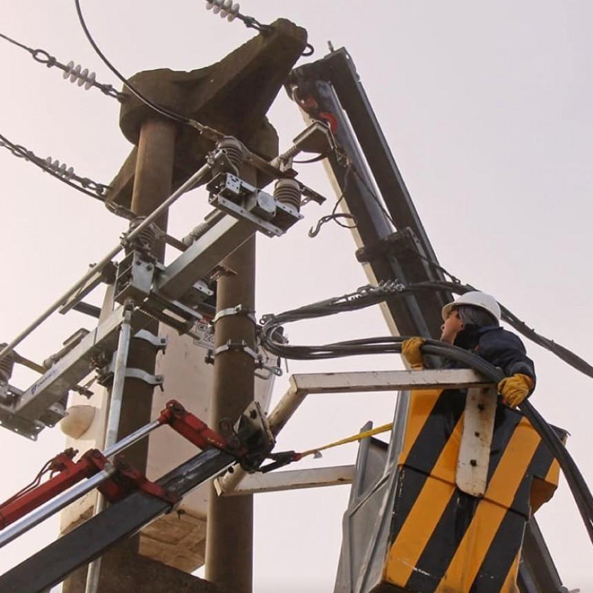 COOPERATIVA ELECTRICA |  Se instalaron cuchillas de seccionamiento en líneas de media tensión