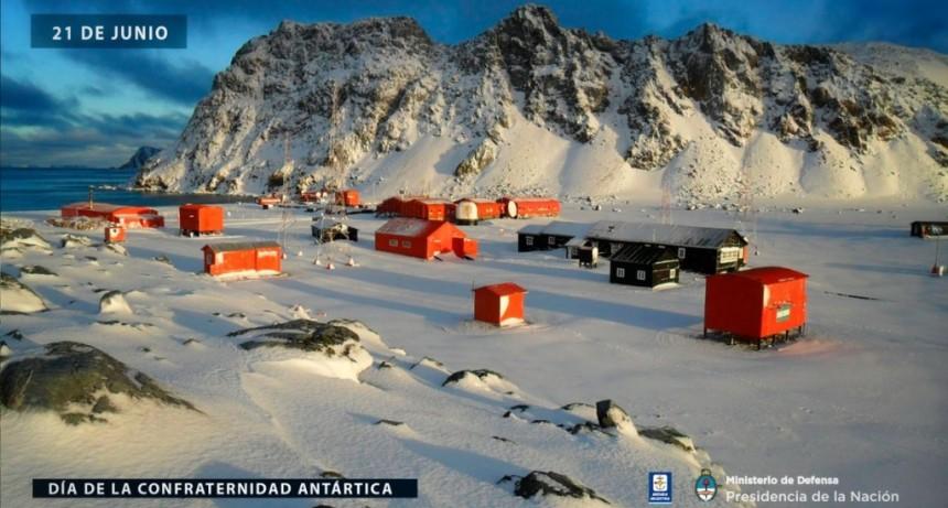 Día de la Confraternidad Antártica (21 de junio)